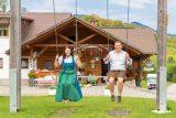 Marion und Peter Jagersberger beim Schaukeln